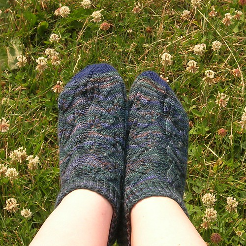 Embossed Leaves socks