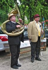 Big Jazz (canong2fan) Tags: street musician music france europe outdoor hats jazz eu trombone brass strawhat sousaphone brassinstrument entertainers canong2 braysurseine redbowler