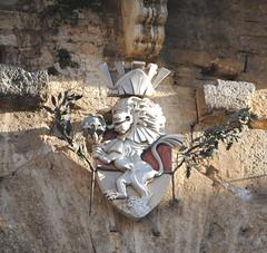 leone a san Gimignano (scattomatto56 (one million visitors)) Tags: siena sangimignano toscana antico stemma leonealato nobiltà