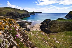 Kynance Cove, The Lizard, Cornwall (doublejeopardy) Tags: sea summer sky sand cove walk thelizard kynance kartpostal