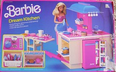 Barbie's Dream Kitchen (neshachan) Tags: kitchen toy toys barbie 80s 1980s playset dreamkitchen barbiedolls 80stoys toykitchen daytonight playsets vintagebarbie daytonightbarbie barbiekitchen barbieplayset