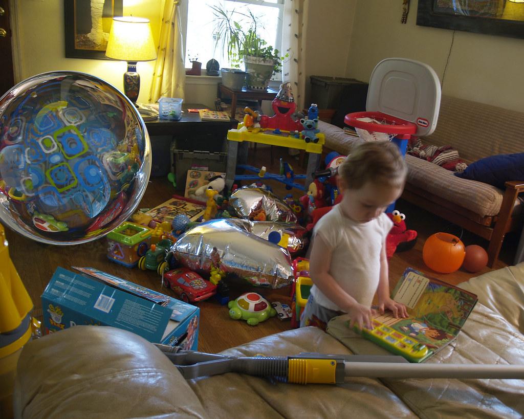 age 2 many toys (horror vacui)