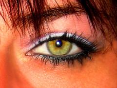 Je te regarde!! (Sylvie.Landry) Tags: macro femme yeux regard platinumphoto prettywomen1969 coloursplosion