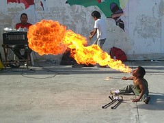 Ganandose el pan diario (Walkyman) Tags: fab la vida elsalvador fuego supershot aplusphoto ltytr2 ltytr1 ltytr3 ltytr4 ltytr5 diamondclassphotographer megashot elpulgarcitodeamerica a3b ganandose unlimitedphotos