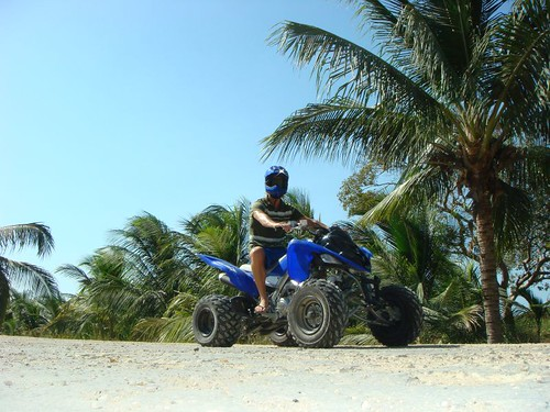 Me on the aggresive 700 ccm Yamaha Quad on Isla Barú, Colombia.