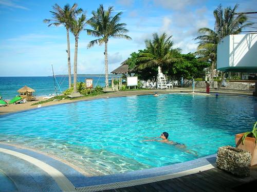 早晨的溫水游泳池