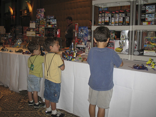 Botcon '07 - Day 4 - It is great the kids have a place to play!