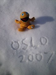 "Oooh that's cold on my ""area""! (lifeofzippy) Tags: oslo norway work zippy chemistrydigital lifeofzippy"