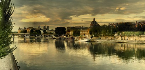 Paris - Quai de Seine by Panoramas