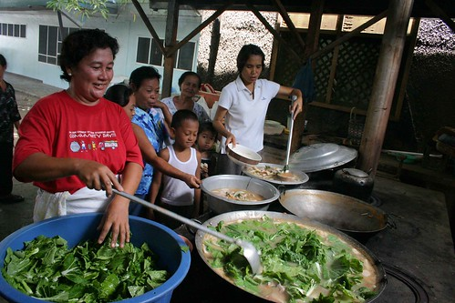 Philippinen  菲律宾  菲律賓  필리핀(공화국) Pinoy Filipino Pilipino Buhay  people pictures photos life  food, Philippines, rural, scene,  woman, working cooking big wok