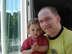 Noor & papa in de schaduw (knoorvanwijngaarden) Tags: noor
