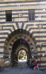 Aleppo # 32 #  حلب (schreibtnix on'n off) Tags: travelling reisen citadel syria aleppo سوريا syrien zitadelle neareast naherosten unescoweltkulturerbe historischealtstadt unescoworlheritage historiccitycenter olympuse3 حلب