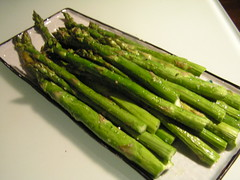 766109980 c46fd2aa62 m Garlic and lemon roasted asparagus recipe