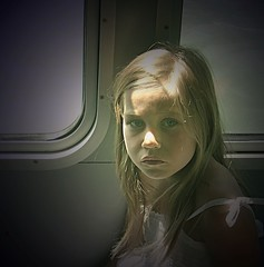 little miss sunshine (hanna.bi) Tags: portrait girl boat child peopleschoice hannabi littlemisssunshine goldenphotographer