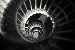 monumental spiral (minimalized) Tags: minimalized