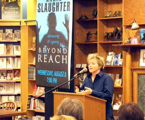 Karin Slaughter book fan photo
