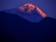The seventh knight of the queen !!! (Lopamudra!) Tags: nepal mountain sunrise landscape dawn peak abc himalaya highaltitude morn 8000 8k dhaulagiri lopamudra annapurnabasecamptrek deurali dhabalgiri