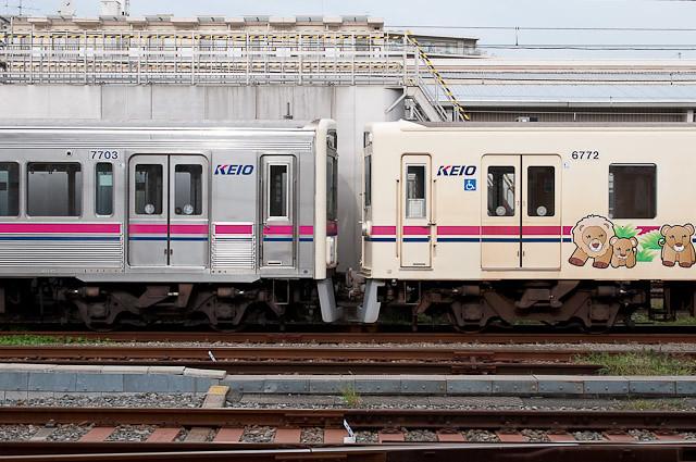 京王電鉄6000系6022F、7000系7003F連結と連結され若葉台へ回送される