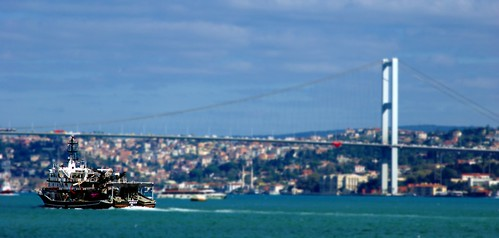 towards the bosphorus