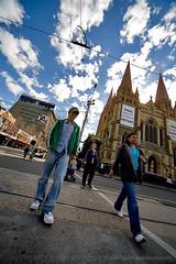 Pedestrians and St Pauls @ 12mm