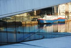 Schematizzazione di una giornata a Oslo. (sinetempore) Tags: sea water oslo norway mirror boat reflex mare nave operahouse acqua norvegia specchio riflesso
