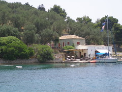 Mongonissi on Paxos