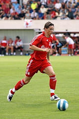 Mr. Fernando Torres (Lionoche) Tags: sport speed liverpool football spain fussball action liverpoolfc elnio fernandotorres i500 outstandingshots interstingness206 liverpoolauxerreinfribourg fernandotorreselnio