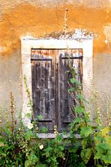 Viejo (Melisa Mesa) Tags: old texture ventana textures cerrado viejo alcea closedwindow