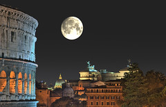 Rome by night (giggex) Tags: moon night nightshot coliseum hdr romebynight nikond80 cieloromano hdratnight