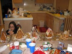IMG_1513 (quackiechau) Tags: friends gingerbread christmas2006 december2006