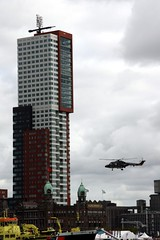 High or low (paral_lax <)><) Tags: buildings helicopter kopvanzuid hotelnewyork wereldhavendagen rotterdamnl