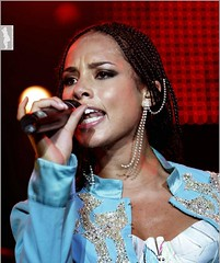 Sweaty Alicia Keys (Randy Orton) Tags: girls girl keys concert alicia live sweaty - 1438132367_cc50e8df5d_m
