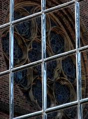 Window in a Window (zphoto) Tags: holland reflection window europe 2007 danhaag lpwindows