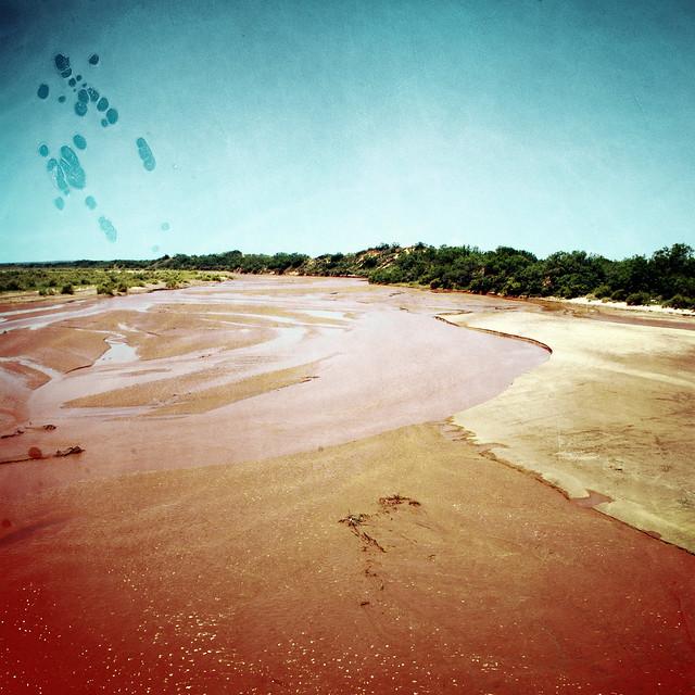 Ro Rojo by Fixed Image