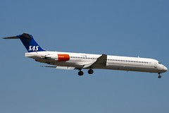 LN-RMS - 53368 - Scandinavian Airlines - SAS - McDonnell Douglas MD-82 (DC-9-82) - 100617 - Heathrow - Steven Gray - IMG_4454