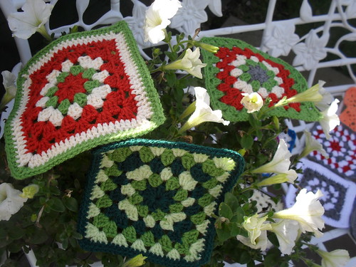 Lovely Autumny Squares, don't you just love the Grannies or Grandads!.....>