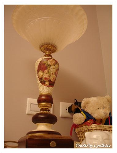 臥室床頭燈1