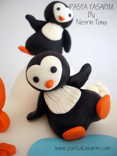 PENGUIN 2ND BIRTHDAY CAKE