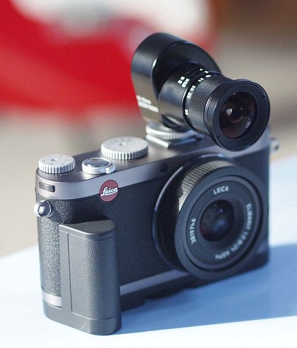 Voigtlander 15-35 Zoom Finder Leica X1