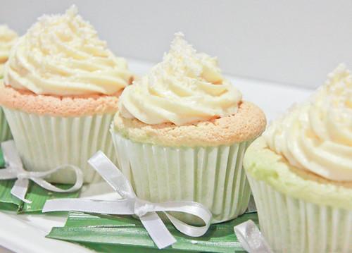 Pandan Chiffon Cupcakes-7