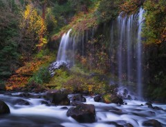 Mossbrae Falls and Sacramento River (Tony Immoos) Tags: california longexposure trees water rock river landscape waterfall postcard scenic landmark olympus explore sacramento e3 sacramentoriver 1000views dunsmuir mossbraefalls cokin siskiyoucounty californialandscape printsavailable zd ndgrad zuikodigital p121f 1260mm olympuse3 kitchen428