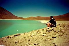 Laguna Verde - Deserto do Atacama - Bolivia (TLMELO) Tags: lake verde green brasil trekking hiking bolivia hike climbing backpacking backpack atacama tiago lagoa laguna thiago justdoit analogica ican deserto melo idid impossibleisnothing keepwalking licancabur thiagomelo aplusphoto flickrelite tlmelo dotheimpossible