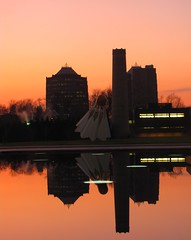 What Goes Up Must Come Down (Lord Jezzer) Tags: pink sunset reflection pool museum purple kansascity nelsonatkins shuttlecock