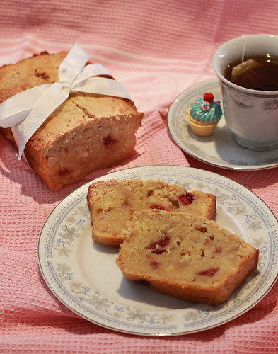 Pear and Raspberry Bread-5