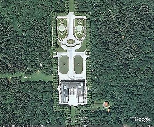 5165801806 92586e0378 20+ Hilarious and Weird Google Map Pictures