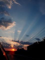 güneşe doğru yolculuk (tugcegumus) Tags: road blue light red sky panorama cloud sun white car yellow mobile turkey landscape moving view live türkiye scenic istanbul sight İstanbul beyaz mavi yol active animate araba bulut gökyüzü manzara günbatımı güneş sarı ışık yolculuk kırmızı hareketli olympusmju750 ışıkhüzmesi