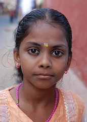 In my tender eyes (ornellab.) Tags: portrait india eye smile smiling eyes colours kerala littlegirls theface indiadelsud newphotographer mywinners