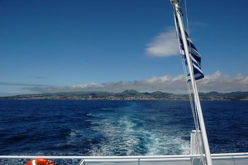 Ponta Delgada ao fundo
