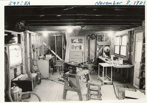 Inside Robins Shop 11-8-1981