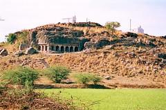 Mamandoor (Avanibhajana) Tags: hill cave southindia kanchipuram pallava tamilnad mahendravarma mamadur mamandoor pallavahistory